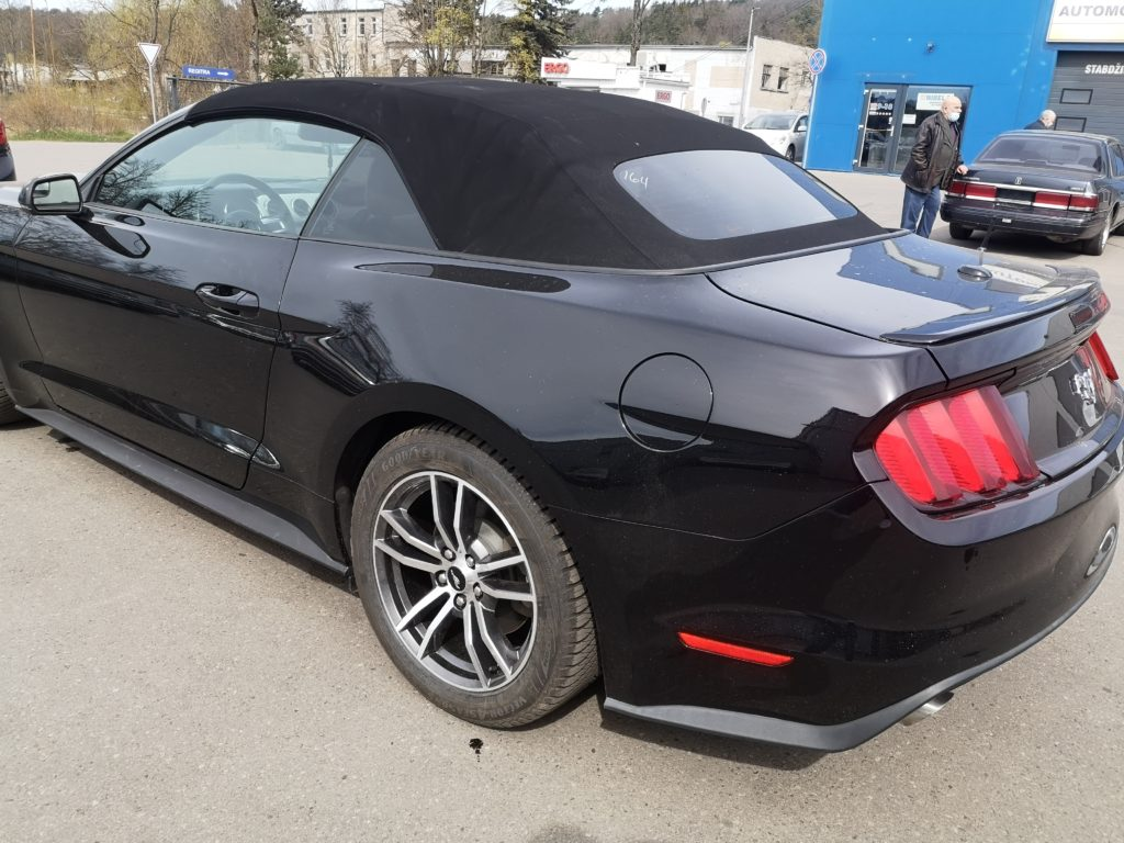Ford Mustang 2017m. Ecoboost po remonto darbų